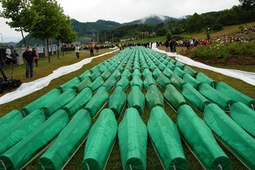 'The denial of the Srebrenica genocide should be punished'