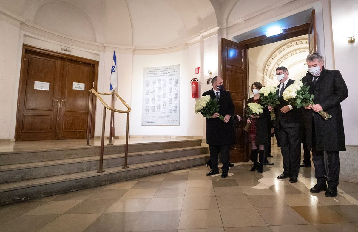 Jewish leaders in Vienna gather to commemorate Kristallnacht