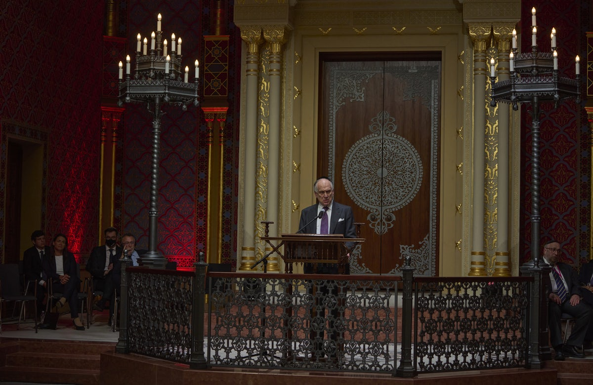 Hungarian Synagogue reopens as Jewish Cultural Center 150 Years since its founding, decades after Holocaust destruction