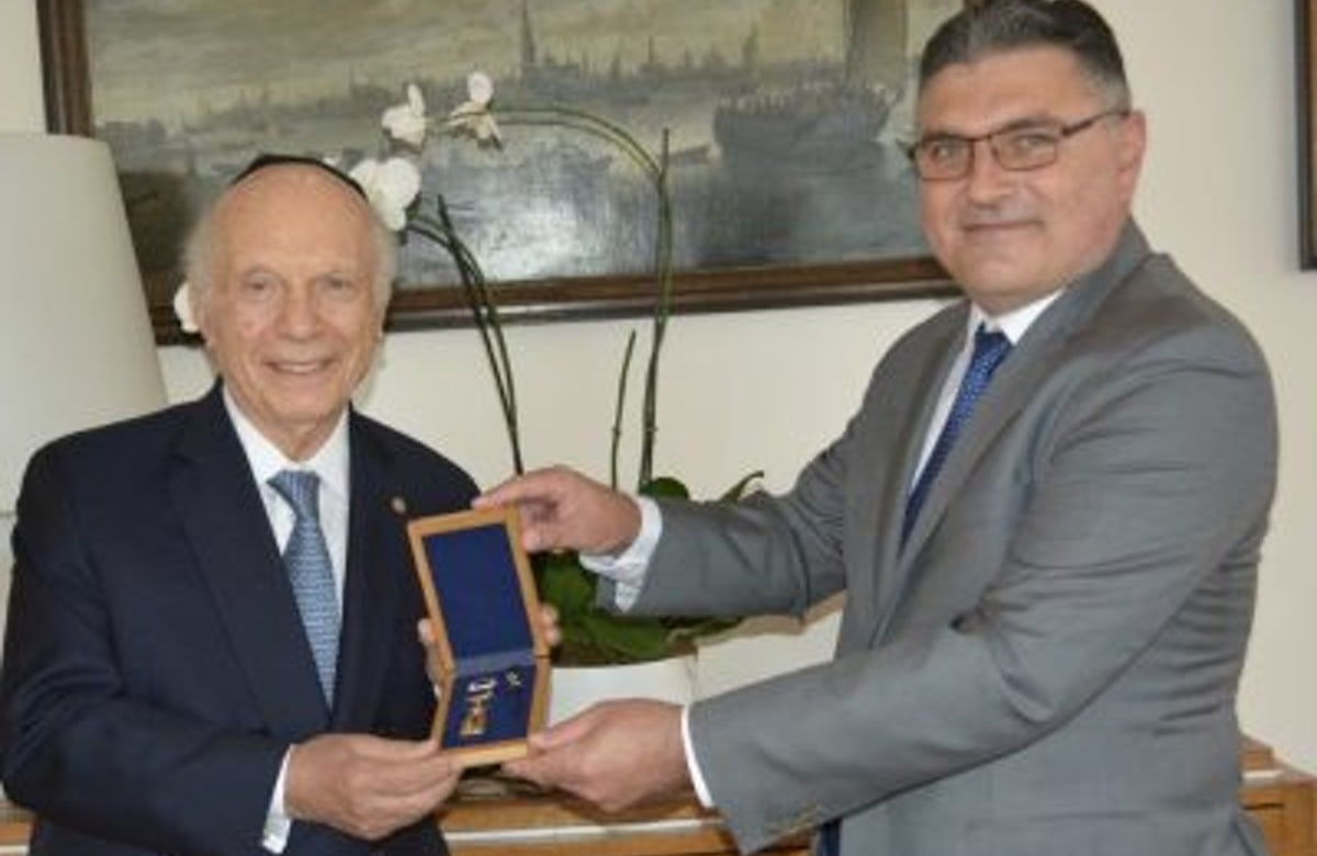 Rabbi Arthur Schneier Receives Golden Laurel Branch Award from the Foreign Ministry of Bulgaria
