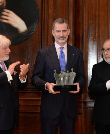 Shalom Prize awarded to Spanish king in recognition of restitution for Sephardic Jews