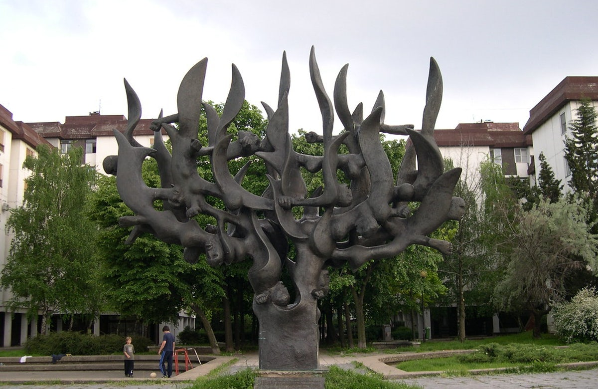 Righting a Holocaust-era wrong in Serbia