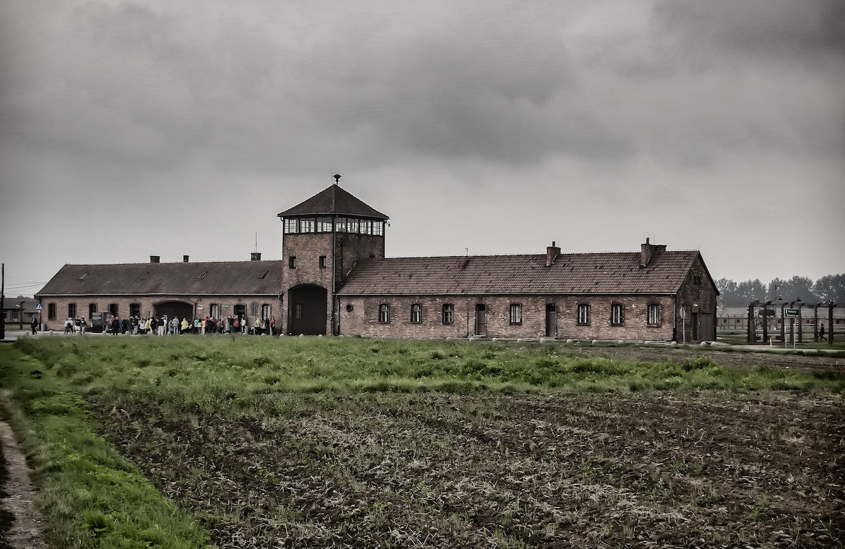 Auschwitz survivors dwindle as the 75th anniversary arrives | The New York Times