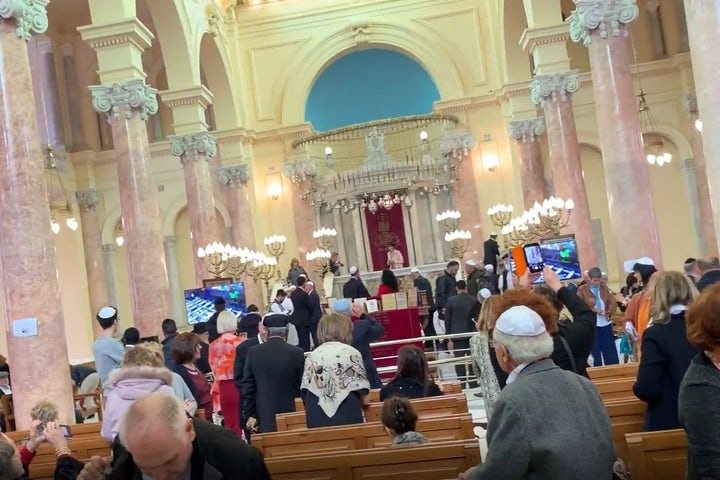 Nearly 200 Jews visit recently restored Egyptian synagogue for festive Shabbat