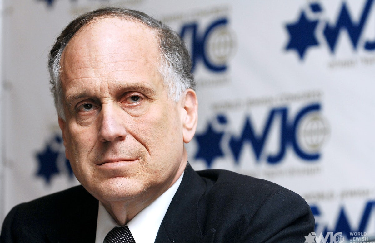 On V-E Day, WJC President Ronald S. Lauder honors the heroes who sacrificed their lives to quell Nazi terror