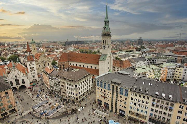 Munich municipality bans displays of yellow Stars of David at demonstrations