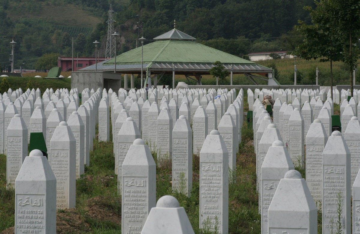 WJC commemorates 25 years since Srebrenica Genocide, supports efforts to mark 11 July as Remembrance Day