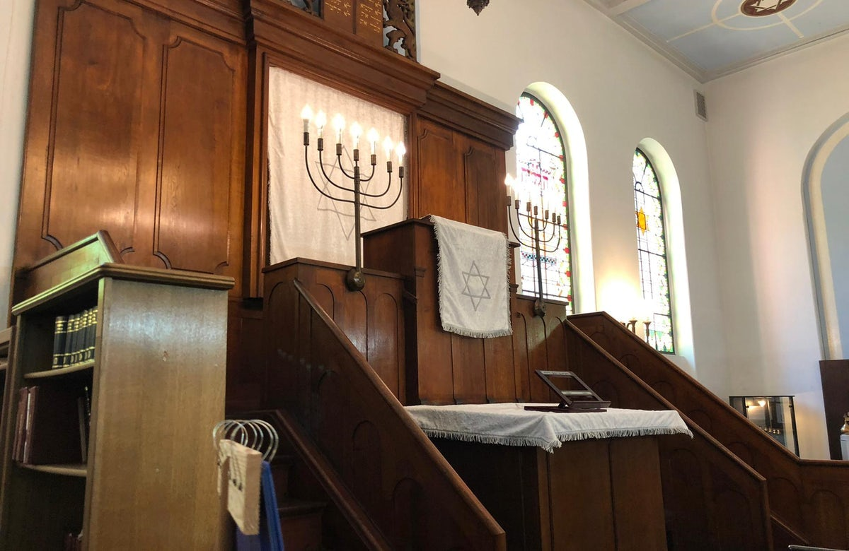 Suspect in Yom Kippur shooting against Halle synagogue goes on trial in Germany