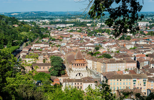 The French town that  aided Jews during WWII and elected a far-right mayor in 2020
