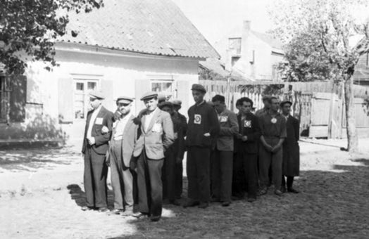 The Paper Brigade: Saving the archives of Jewish Vilna
