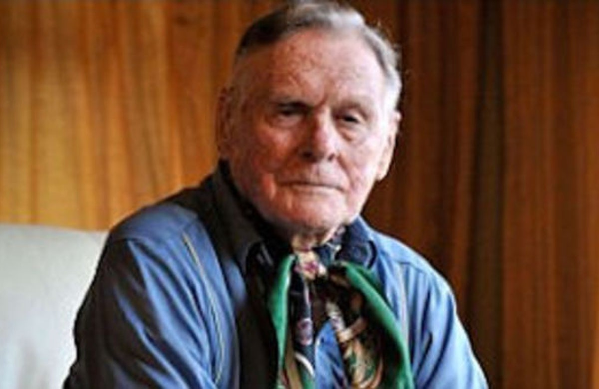 Doubts about claim by former British PoW that he smuggled himself into Auschwitz