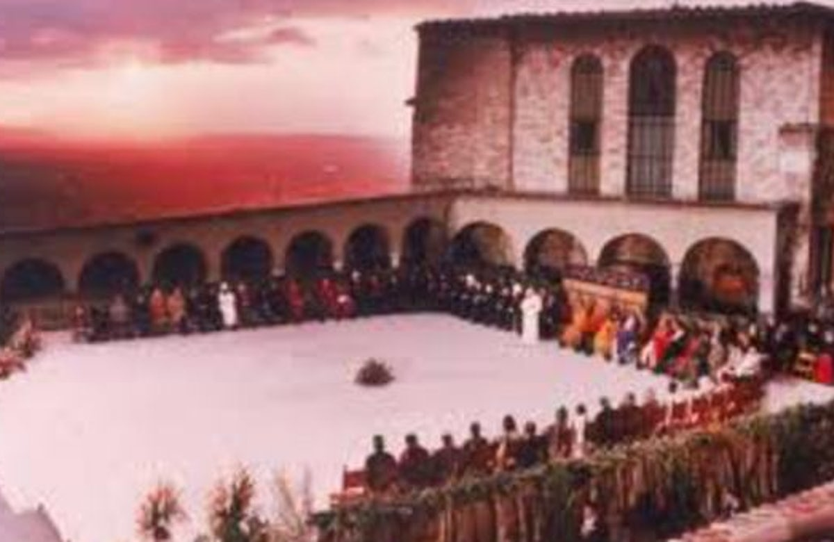 Pope Benedict welcomes members of all faiths, and none, to Assisi