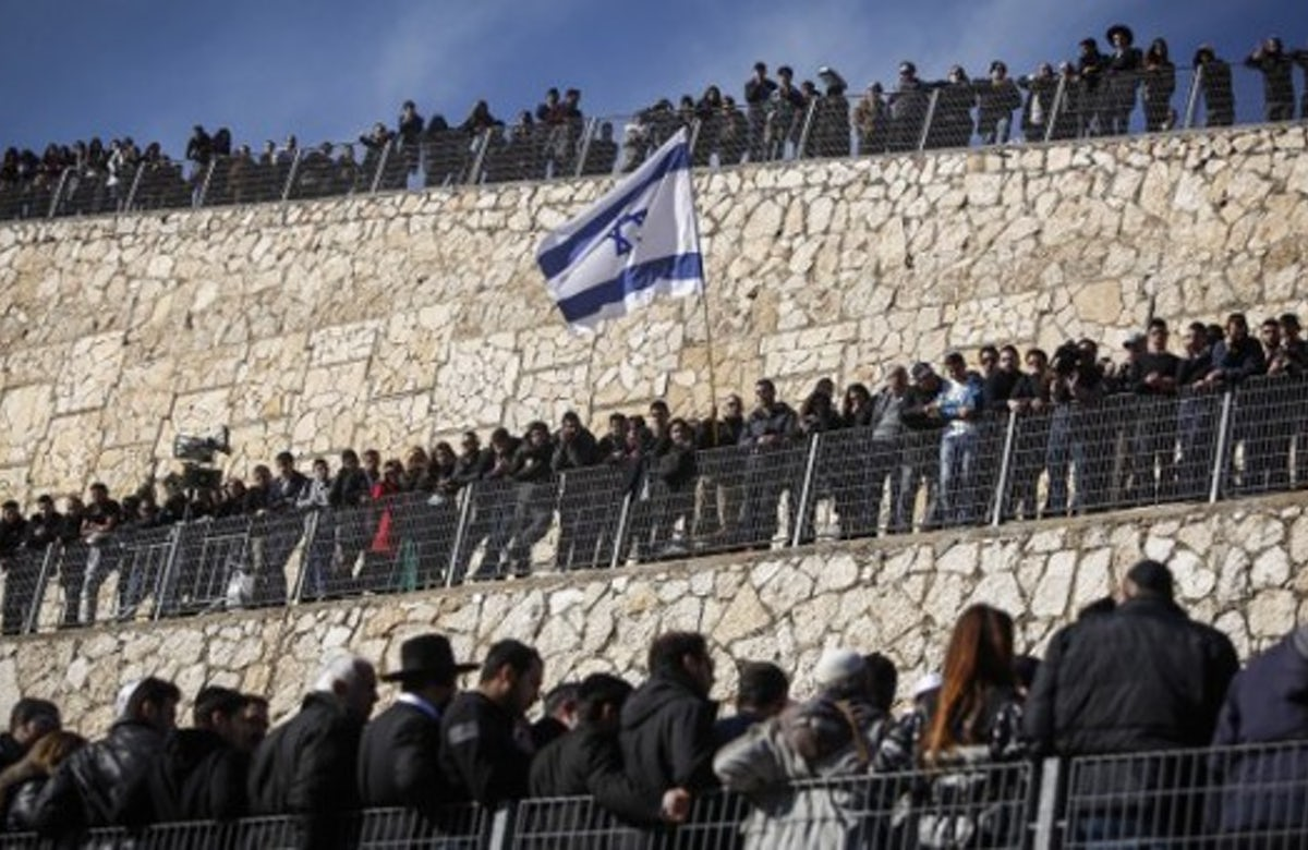 Thousands attend funeral in Jerusalem for victims of Paris supermarket attack