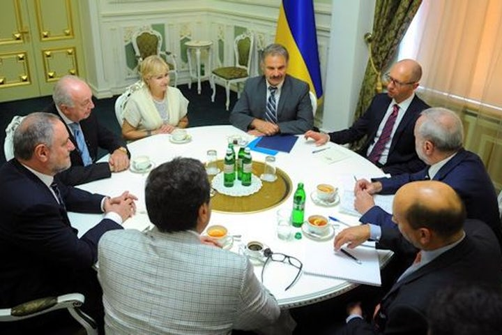World Jewish Congress delegation meets with Ukrainian PM to discuss situation of Jews