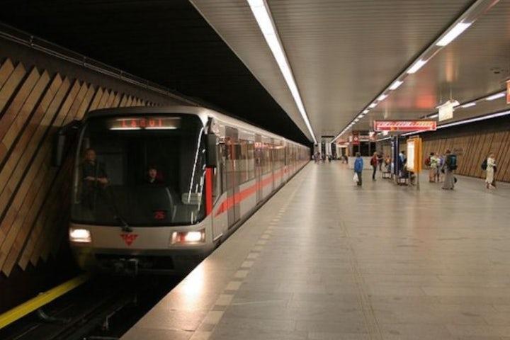 Prague subway worker allegedly threatened to behead Jewish passenger - JTA