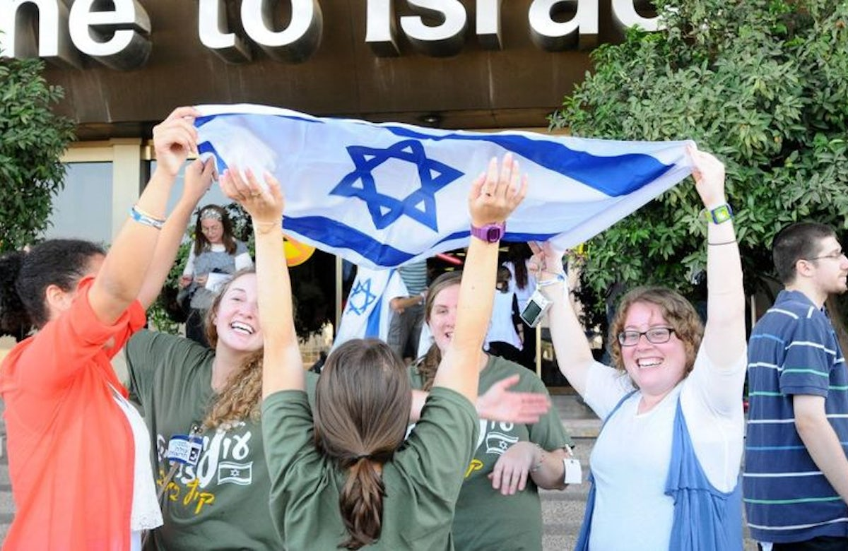 Rise in aliyah does not signal 'Jewish exodus' from Europe, study finds