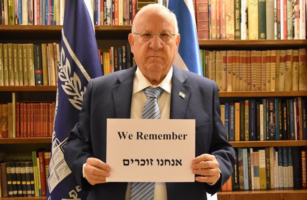 #WeRemember: WJC reaches millions with Holocaust memory campaign; participant photos to be projected on Auschwitz grounds