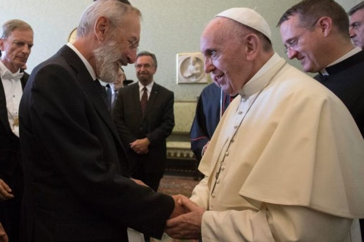 Jewish leaders meet with Pope Francis to commemorate decree exonerating Jews of killing Jesus