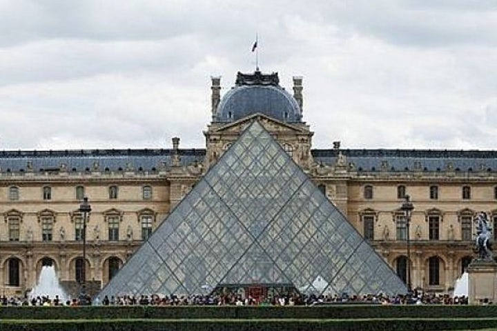 France hands back Nazi looted art to Jewish family - AFP